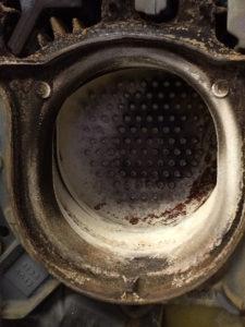 Ölzentralheizung vor Reinigung